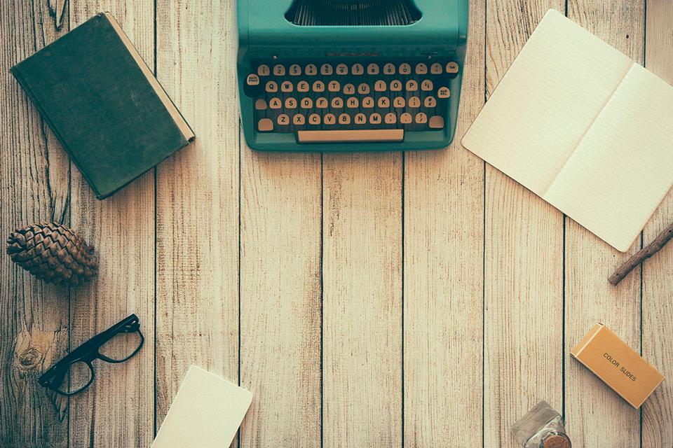 Máquina escribir artículos